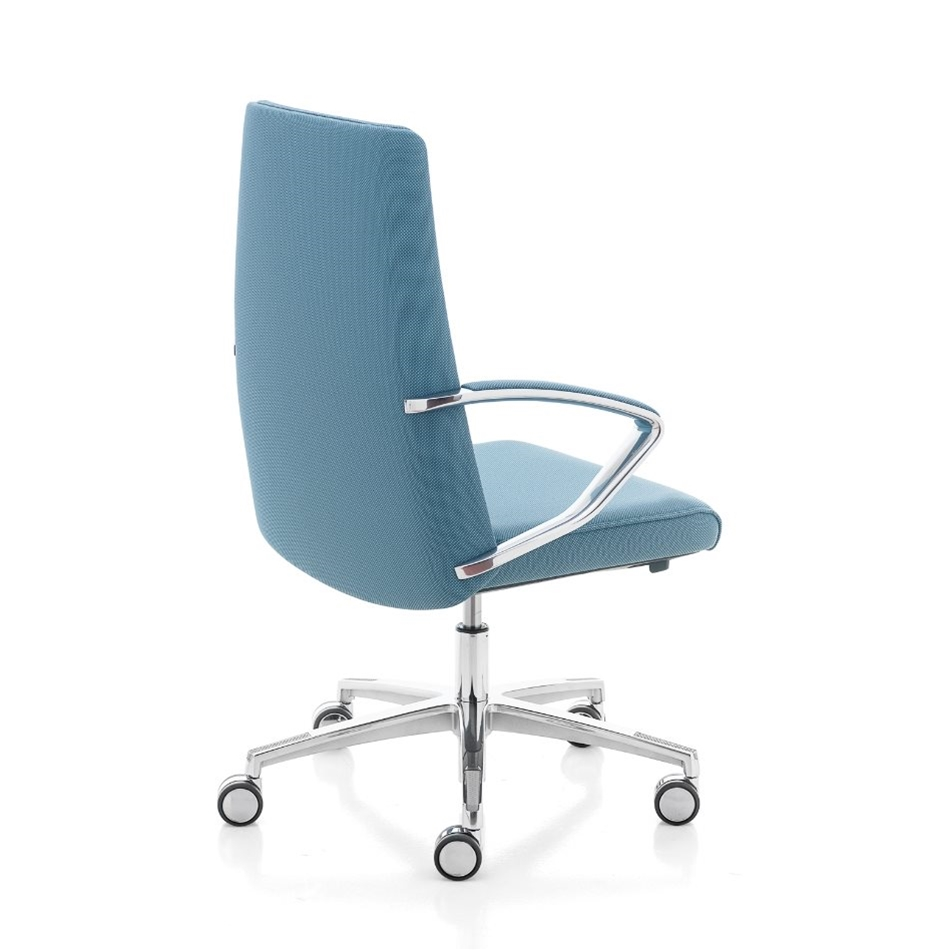 Klivia managerial armchair | Chair Compare